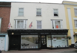 766 SF High Street Shop for Sale  |  19 High Street, Upton-upon-Severn, WR8 0HJ