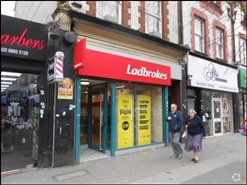 1,036 SF High Street Shop for Rent | 933 Brighton Road, Purley, CR8 2BP