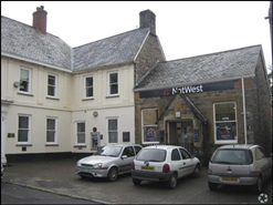 683 SF High Street Shop for Rent  |  6 Bank Street, Dulverton, TA22 9BT