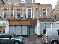 1,066 SF High Street Shop for Rent  |  39 41 Bank Street, Newquay, TR7 1DJ