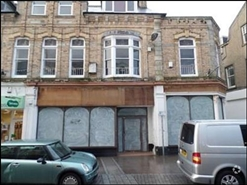 1,066 SF High Street Shop for Rent  |  39 - 41 Bank Street, Newquay, TR7 1DJ