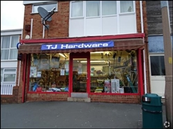 700 SF Out of Town Shop for Rent  |  2 Buckingham Grv, Kingswinford, DY6 9EL