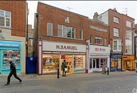 772 SF High Street Shop for Rent  |  6 Peascod Street, Windsor, SL4 1DT