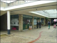 698 SF Shopping Centre Unit for Rent  |  Unit 4, Three Horseshoes Walk Shopping Centre, Warminster, BA12 9BT