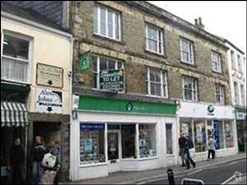 574 SF High Street Shop for Rent  |  35 River Street, Truro, TR1 2SJ