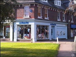 895 SF High Street Shop for Rent  |  3 Church Green, Harpenden, AL5 2TN