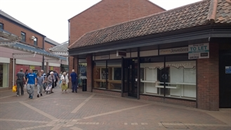 300 SF Shopping Centre Unit for Rent | Unit 7, Isaac Newton Shopping Centre, Grantham, NG31 6NN