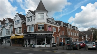 982 SF High Street Shop for Sale  |  160 Ashley Road, Poole, BH14 9BY