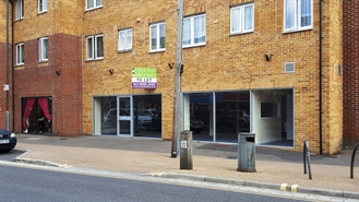 1,044 SF High Street Shop for Rent  |  15 Water Lane, Totton, SO40 3DF