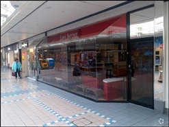 468 SF Shopping Centre Unit for Rent  |  35 Friargate, Grimsby, DN31 1QX