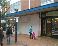 1,516 SF Shopping Centre Unit for Rent  |  Quadrant Shopping Centre, Dunstable, LU5 4RH