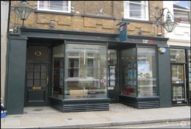 382 SF High Street Shop for Rent  |  5 Duke Street, Richmond, TW9 1HP
