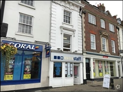 210 SF High Street Shop for Rent  |  7 Market Square, Daventry, NN11 4BH