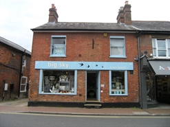 601 SF High Street Shop  |  67 High Street, Great Missenden, HP16 0AL