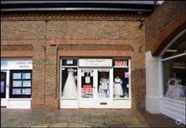 361 SF Shopping Centre Unit for Rent  |  Unit 14, St Martins Walk, Dorking, RH4 1UT