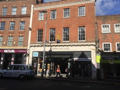 194 SF High Street Shop for Rent  |  3 Harris Arcade, Reading, RG1 1DN