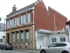 1,077 SF High Street Shop for Rent  |  18 High Street, Salisbury, SP4 7DN