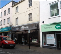 1,161 SF High Street Shop for Rent  |  105 - 106 High Street, Newport, PO30 1TJ