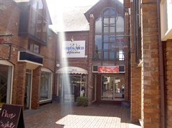 990 SF High Street Shop for Rent  |  7 Old Red Lion Court, Stratford Upon Avon, CV37 6AB
