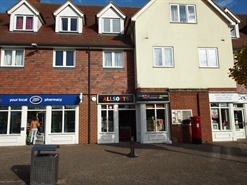 835 SF High Street Shop for Rent  |  3 Lintot Square, Horsham, RH13 9LA