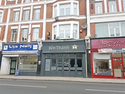 996 SF High Street Shop for Rent  |  9 York Street, Twickenham, TW1 3JZ