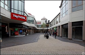198 SF Shopping Centre Unit for Rent  |  The Maltings, St Albans, AL1 3HL