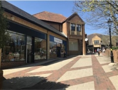 1,376 SF Shopping Centre Unit for Rent  |  32 Vicarage Walk, Yeovil, BA20 1LY