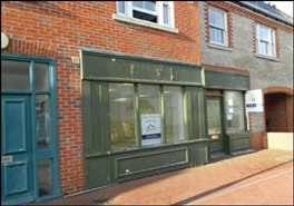 590 SF High Street Shop for Rent  |  108 High Street, Chichester, PO20 0QG