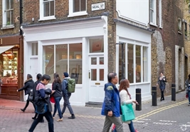 588 SF High Street Shop for Rent  |  48 Neal Street, London, WC2H 9PA