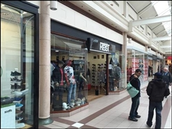 1,398 SF Shopping Centre Unit for Rent | 44 The Spinles, Oldham, OL1 1HE