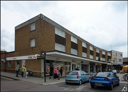 1,037 SF High Street Shop for Rent  |  136 Crockhamwell Road, Reading, RG5 3JH