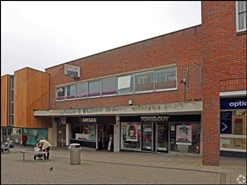 985 SF Shopping Centre Unit for Rent  |  Unit 25, The Chantry Centre, Andover, SP10 1LZ