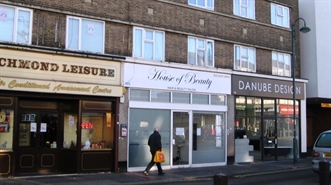 721 SF High Street Shop for Rent  |  100 Shenley Road, Borehamwood, WD6 1EB