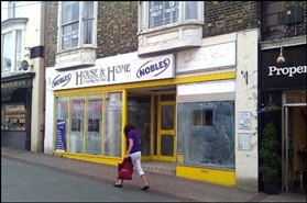 2,195 SF High Street Shop for Rent  |  166 - 167 High Street, Ryde, PO33 2HW