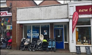 914 SF High Street Shop for Sale  |  10 Christchurch Road, Ringwood, BH24 1DN