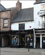 1,054 SF High Street Shop for Rent  |  21 Skinnergate, Darlington, DL3 7NW