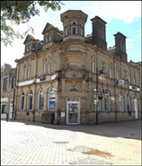 1,108 SF High Street Shop for Sale  |  2 Bank Street, Ossett, WF5 8EP