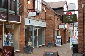 225 SF High Street Shop for Rent  |  5 Old Red Lion Court Bridge Street, Stratford Upon Avon, CV37 6AB