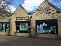 1,272 SF High Street Shop for Rent  |  3 Farrell Close, Cirencester, GL7 1HW