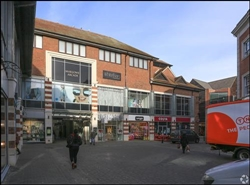 1,450 SF Shopping Centre Unit for Rent  |  Whitefriars Shopping Centre, Canterbury, CT1 2SN