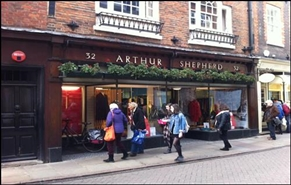 1,106 SF High Street Shop for Rent  |  32 Trinity Street, Cambridge, CB2 1TB