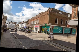 790 SF High Street Shop for Rent  |  37 Market Place, St Albans, AL3 5DL