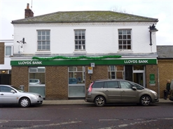 690 SF High Street Shop for Rent  |  6 Queen Street, Whittlesey, PE7 1AY