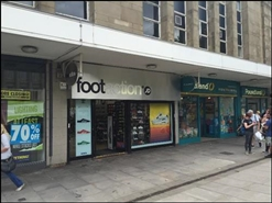 978 SF Shopping Centre Unit for Rent  |  Unit 17, Crompton Place Shopping Centre, Bolton, BL1 1DF