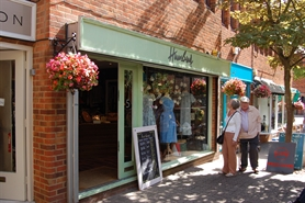 328 SF High Street Shop for Rent  |  5 Shrieves Walk, Stratford Upon Avon, CV37 6GJ