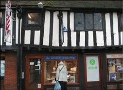 574 SF High Street Shop for Rent  |  27 Wood Street, Stratford Upon Avon, CV37 6JF
