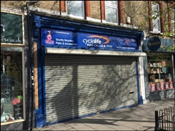 877 SF High Street Shop for Rent  |  13 High Street, Brentwood, CM14 4RG