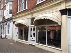 490 SF High Street Shop for Rent  |  34 Bar Street, Scarborough, YO11 2HT