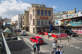 796 SF High Street Shop for Rent  |  5/9 Beach Road, Newquay, TR7 1ES