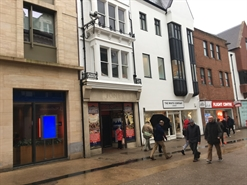 873 SF High Street Shop for Rent  |  6 Queen Street, Oxford, OX1 1EJ